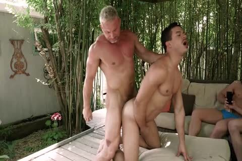 Daddy bangs twink while friends Watch<3