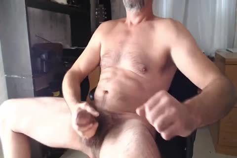 XXL Hung hairy Daddy discharges cum