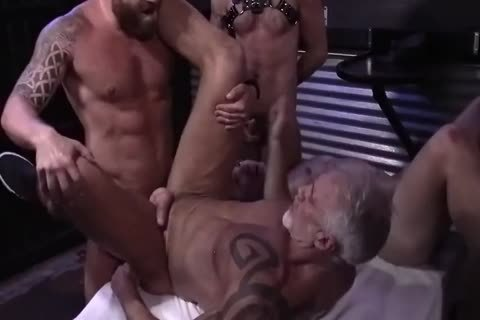 Lad Nailed By 5 Leather Daddies