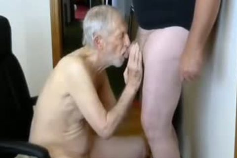 26margate Skinny old grandpa Is A Skilled cocksmoker dad