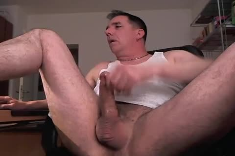 Hard dick cumming